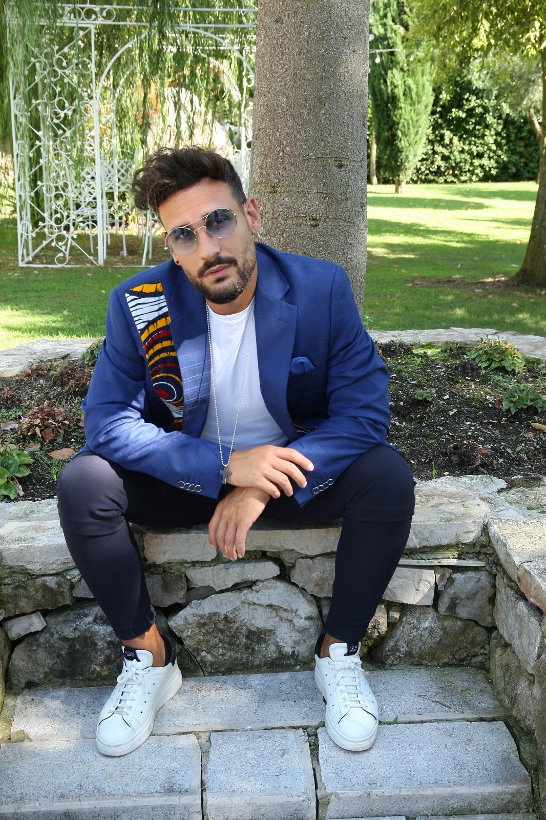 Il talentuoso  e giovane cantante di Bachata Cosimo Esposito: «ci racconta la sua biografia»
