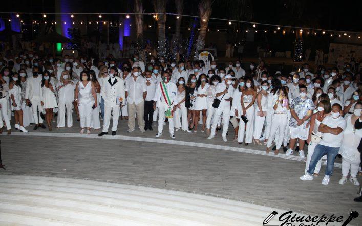 Anche l'influencer Jessica Gravante al Lobefalo's Summer White Party