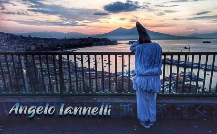 Pulcinella lancia il messaggio di solidarietà per Napoli
