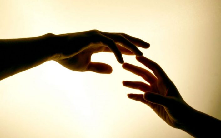"""Un mondo sempre più surreale a causa del mancato """"contatto fisico"""""""
