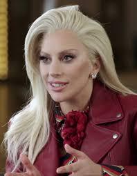 Lady Gaga condivide il suo senso di impotenza e di malessere per il Covid-19