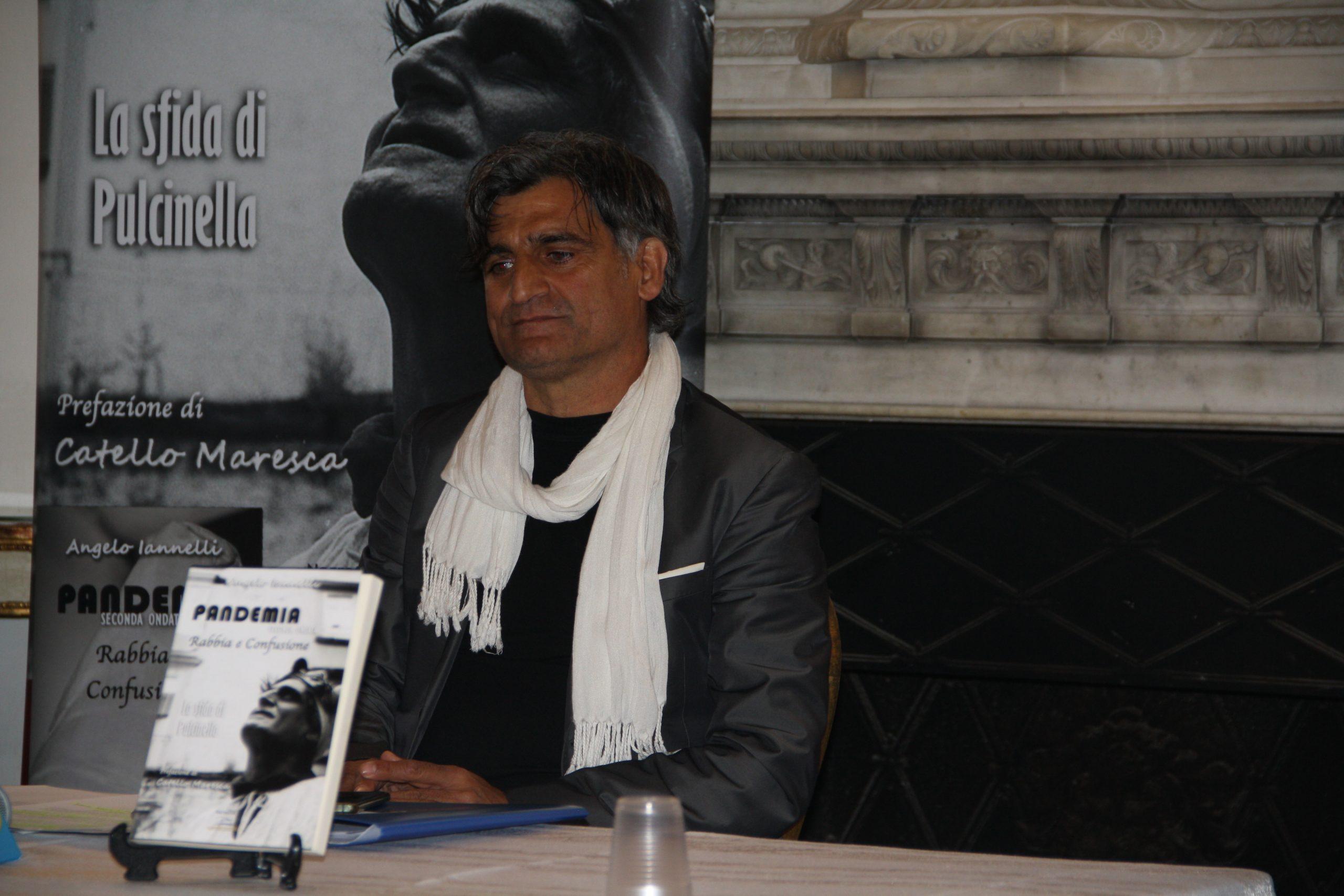 """Incontro letterario con l'attore e scrittore  Angelo Iannelli al ristorante """"Amor mio"""" a Brusciano"""
