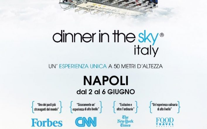 La strabiliante Dinner in the Sky alla Mostra d'Oltremare di Napoli