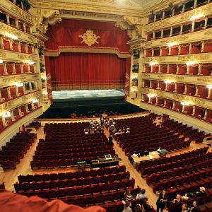"La Scala di Milano riapre con due concerti evento e show ""on the road"""