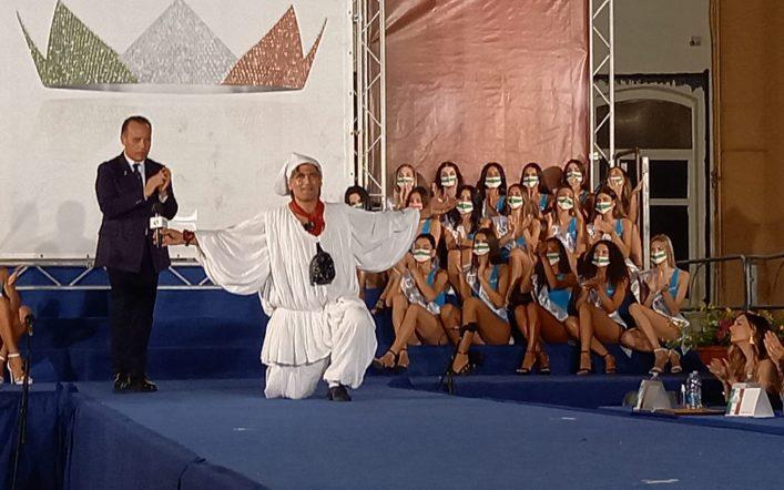 """Pulcinella per la prima volta nella giuria del celebre concorso di bellezza """"Miss Italia"""""""