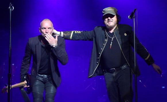 "Una grande performance artistica di Sting e Zucchero con ""Fields of Gold"" in italiano"""