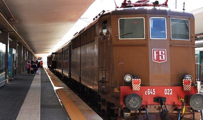 Dal 18 Ottobre ritorna la linea Reggia Express per visitare la Reggia di Caserta