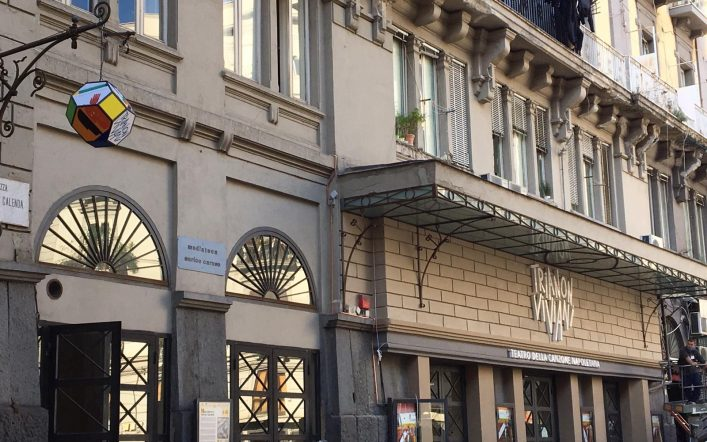 Al Trianon Viviani si accende la magia della lampada di Paladino