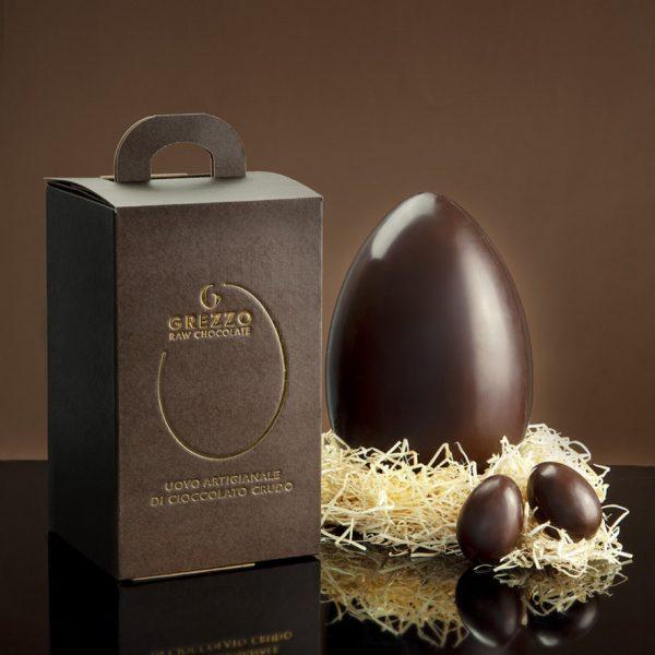 Ecco che arriva la novità dell'uovo di cioccolato crudo firmato GREZZO RAW CHOCOLATE