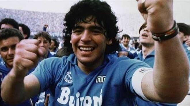 Il Premio Ambasciatore del Sorriso nel ricordo di Maradona